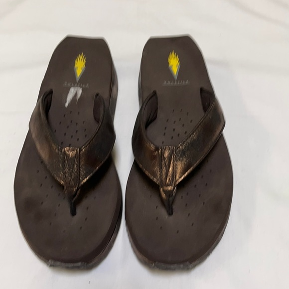 Volatile slip on Sandal Size: 8